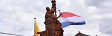 Gedenksteinenthüllung in Almere